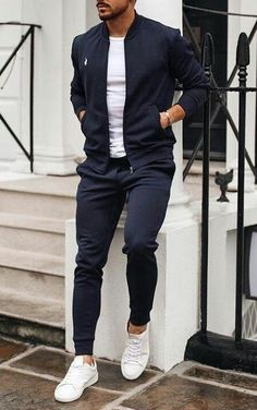 Top Look! Mans Fashion inpriations Fashion inpriations Mans Top is part of Mens fashion classy - Casual Wear For Men, Stylish Mens Outfits, Basic Outfits, Casual Man, Classy Outfits, Denim Fashion, Fashion Outfits, Guy Fashion, Fashion Top