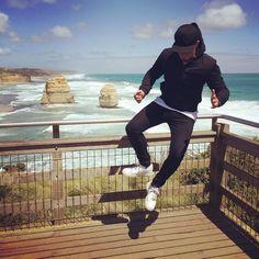 #HeelClick #GreatOceanRoad #12Apostles #Melbourne #Australia #kimothyontour by insta_timmyboi