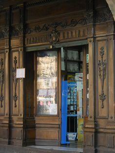 Farmacia en la Plaza Mayor de Salamanca (España)