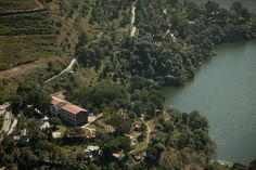 Naukuchiatal or 'lake of nine corners' is known for its tranquility, orchards and dense jungles that surround it. 26kms from Nainital and 4 kms from Bhimtal, this body of sparking water is 1220 mts above sea level, situated within an enchanting valley.