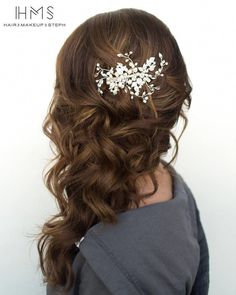 Women Hairstyles Shoulder Length 45 Half Up Half Down Wedding Hairstyles Ideas half up half down wedding hairstyles with silver pin side swept on brown curly hair hairandmakeupbysteph Wedding Hair Side, Long Hair Wedding Styles, Wedding Hair And Makeup, Hair Makeup, Long Hair Styles, Bridal Hair Side Swept, Wedding Bride, Side Swept Curls, Trendy Wedding