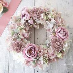 Home decor wreath shabby Shabby Flowers, Romantic Flowers, Corona Floral, Indoor Wreath, Pink Christmas Decorations, Wedding Wreaths, Sunflower Wreaths, Deco Floral, Summer Wreath