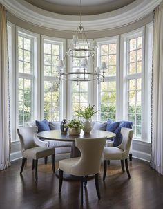 27 ideas breakfast nook sitting area chairs for 2019 Dining Room Windows, Dining Nook, Round Dining Table, Dining Room Design, Round Table And Chairs, Kitchen Booths, Kitchen Nook, Kitchen Island, Kitchen Decor