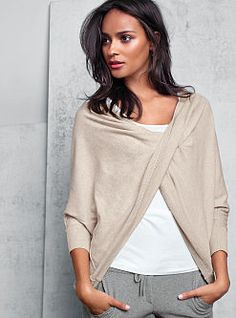 9911dbbe34 A Kiss of Cashmere Reversible Top Fashion Mode