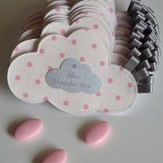 Ballotin de dragées en forme de nuage sur commande tissus au choix