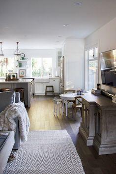 Amplia zona de estar abierta / Mi gran renovación Hermosa Cocina - Antes y Después Fotos