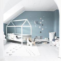 """465 kedvelés, 13 hozzászólás – Stickstay (@stickstay.se) Instagram-hozzászólása: """"We really love our bluegrey wall from @nordsjosverige 💘And we chose their 'easy2clean' color -…"""""""