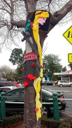 Love the ballerina Freeform Crochet, Knit Or Crochet, Crochet Style, 3d Street Art, Street Art Graffiti, Knitted Owl, Knit Art, Origami, Urbane Kunst
