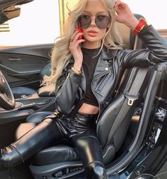 Leather Tights, Black Leather Pants, Leather Jacket, Sexy Outfits, Fashion Outfits, Womens Fashion, Classy Winter Outfits, Leder Outfits, Jackets For Women