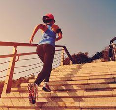 Tervetuloa kiinteät jalat, vahva core ja superkunto! Sähäkkää porras-HIIT tehoaa taatusti | Me Naiset