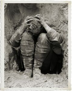 """A shell shocked soldier in the trenches during World War One. Cover image of the book """"Broken Men: Shell Shock, Treatment and Recovery in Britain, written by Fiona Reid. World War One, First World, Shell Shock, War Photography, Photocollage, Foto Art, Interesting History, World History, Bbc History"""