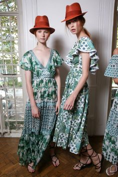 Grace Simmons and Dani Witt backstage at Temperley London Spring