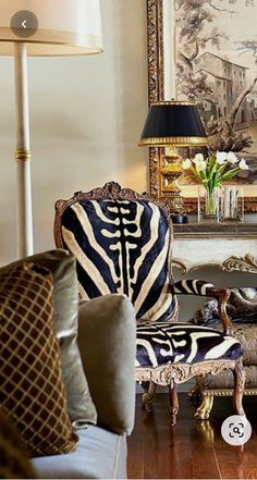 Animal Print Furniture, Living Room Designs, Living Room Decor, Interior Decorating, Interior Design, Chair Upholstery, Decoration, Home Furnishings, Decor Styles