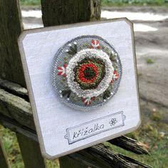 Uzlíková květina - brož