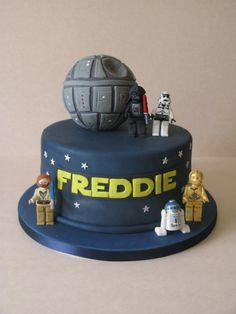 What little boy wouldn't like this for his birthday.....a Lego Star Wars cake, all handmade with icing and hand painted...