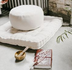 Respectable verified meditation room decorations Digg this – Yoga Expert Meditation Room Decor, Meditation Corner, Meditation Altar, Meditation Cushion, Meditation Space, Home Yoga Room, Zen Room, Houses Architecture, Futuristic Architecture