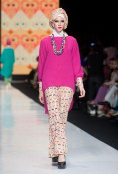 Baju muslim terbaru di Jakarta Fashion Week 2017