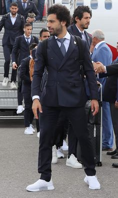 See The Moment Mohammed Salah Arrived Russia For World Cup (Photos) Liverpool Football Club, Liverpool Fc, M Salah, Mohamed Salah Liverpool, Egyptian Kings, Messi And Ronaldo, Club World Cup, World Cup Winners, Soccer