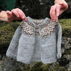 - Icelandic Knitter - Hélène Magnússon
