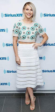 Look of the Day - October 19, 2014 - Julianne Hough in DKNY from #InStyle