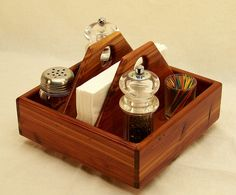 Lazy Susan Kitchen Spice Holder Smart Source by paul_ramer Condiment Holder, Utensil Holder, Wood Napkin Holder, Wooden Crafts, Wooden Diy, Small Wood Projects, Diy Projects, Kitchen Caddy, Spice Holder