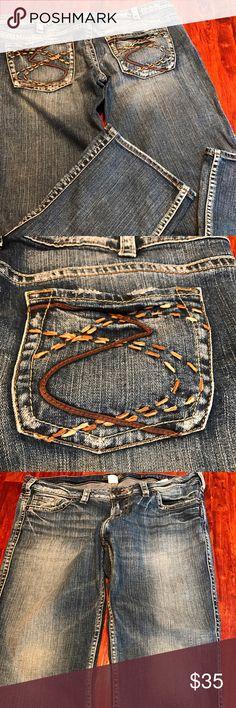 "Silver Jean Capri Frances 34 Silver Jean Capri Frances style 31 with 26"" inseam EUC Silver Jeans Jeans"