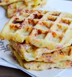 Gaufres salées pommes de terre lardons reblochon - The Best Breakfast and Brunch Spots in the Twin Cities - Mpls. Best Chicken Recipes, Salmon Recipes, Savory Waffles, Cooking Chef, Salty Foods, Smoking Recipes, Lunch Snacks, Best Breakfast, Food Inspiration