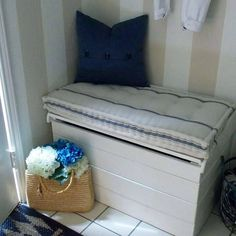 http://www.modelhomekitchens.com/category/Mattress/ French mattress cushion, with a tutorial