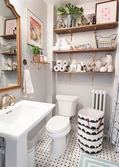 1920s-Inspired Classic Small Bathroom