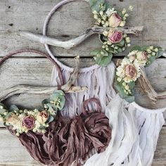 Set of three dreamcatchers in neutral tones. All were created in neutral shades of silk chiffon and adorned with the most beautiful driftwood and dried flowers Two 6 inch dreamers One 5 inch dreamer Length is extra long but can be trimmed upon request. Made to order. Due to the all