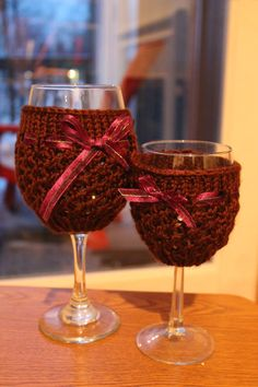 An extra large wine cozy to for the days when you don't just want a glass, you need it!  Pattern now available on etsy!!!