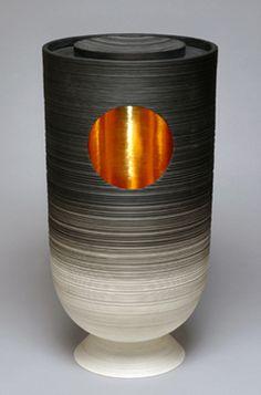 Vase de Pierre Soulages, présenté au salon Art Paris Art Fair, mars 2014