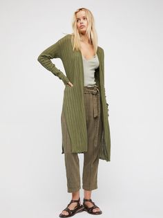 Ribby Rib Cardi | Ribbed cardigan in a comfortable cotton-linen blend fabrication with dramatic side vents for a cool update.
