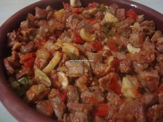 roast meat with mushrooms in casserole-güveçte mantarlı et kavurma roast meat with mushrooms in casserole - Roasted Meat, Turkish Recipes, Dessert Recipes, Desserts, Meat Recipes, Stew, Casserole, Stuffed Mushrooms, Food And Drink