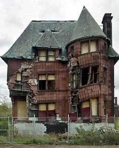 Abandoned Detroit home - on the one hand I feel very melancholy, on the other hand I'm seized by greedy desire to go inside and strip out all the hardware, mantels, tile, etc.