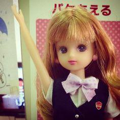 docomoショップでお仕事中のリカさんを激写してきた\(^o^)/ お勤めご苦労様です! #docomo #Licca #リカちゃん #doll #Liccadoll