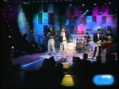 Nunca Pasa Nada - Miguel Bosé - Álbum: Los chicos no lloran - (1990) - (video).