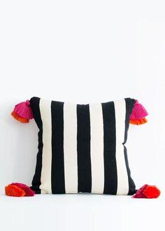 País Textil Stripe Pom Pom Pillow