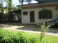 Apartamento en San Isidro de Heredia!!  50 mts2 de construcción, 1 habitación y 1 baño. Alquiler: $300