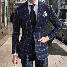 Fit is A Must In Wearing Clothes – World Trends Fashion Gentleman Mode, Gentleman Style, Best Suits For Men, Cool Suits, Mens Fashion Blog, Mens Fashion Suits, Marcelo Mello, Classy Suits, Mode Costume