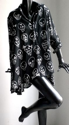 Black shirt with White skull print