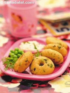Cabbage vadas, rich in nutrients, these are inspired from south indian cuisine are loaded with cabbage, onions, and peas. Flavoured with fresh coriander and chillies, they taste great with green chutney or tomato ketchup. from tarla dalal website