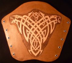 Hand Carved Leather Archery Bracer by ArtemisLeathercraft on Etsy Leather Tooling Patterns, Leather Pattern, Bow And Arrow Diy, Leather Projects, Leather Crafts, Leather Bracers, Leather Carving, Medieval Armor, Celtic Tattoos