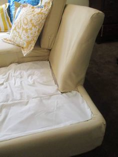 Do you have a ratty old sofa set, ready for the dump? And you need a replacement, but maybe don't have the money for what you really want? Here is a great way to upcycle what you have into what you want and need, for very little money! Living Room Lounge, Living Room Decor Cozy, Accent Chairs For Living Room, Leather Couch Repair, Faux Leather Couch, Outdoor Lounge Chair Cushions, Outdoor Couch, Diy Furniture Hacks, Furniture Projects