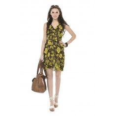 Sleeveless knee-length chiffon dress. V-neckline with elastic under the bust lining.