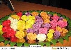 Jsou z toho takové krásné růžičky. Flamingo Party, Marshmallow, Fondant, Food And Drink, Cupcakes, Tvar, Anna, Wedding Ideas, Basket