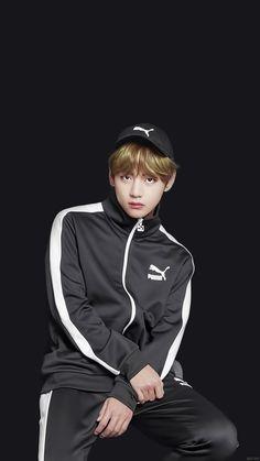 V kim taehyung puma Bts Taehyung, Jimin Jungkook, Steve Aoki, K Pop, Bts Kim, Taekook, Korean Singer, K Idols, Adidas Jacket