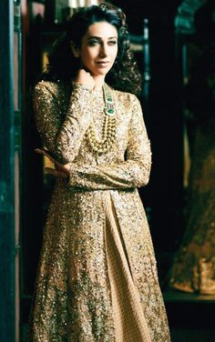 Karisma Kapoor For Hello! India in Sabyasachi - Asian Wedding Ideas. That neck piece. India Fashion, Ethnic Fashion, Asian Fashion, Pakistan Fashion, Women's Fashion, High Fashion, Fashion Ideas, Designer Anarkali, Indian Attire