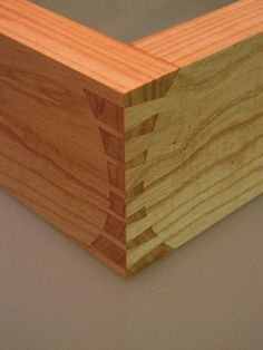 Awesome Joinery... More Woodworking Projects on www.woodworkerz.com