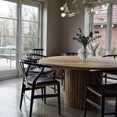 Dining Room Inspiration, Home Decor Inspiration, Decor Room, Living Room Decor, Dinning Table, Diy Table, Interior Design, House Styles, House Design